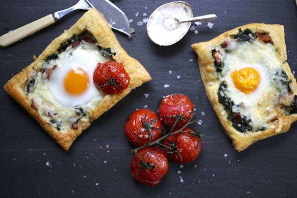 Spinach, Cheddar and Egg Breakfast Tarts