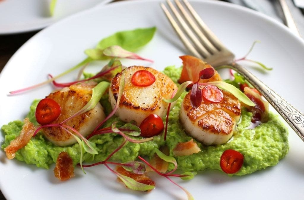 Seared Scallops with Chili-Lime Butter, Pea Purée and Crispy Pancetta