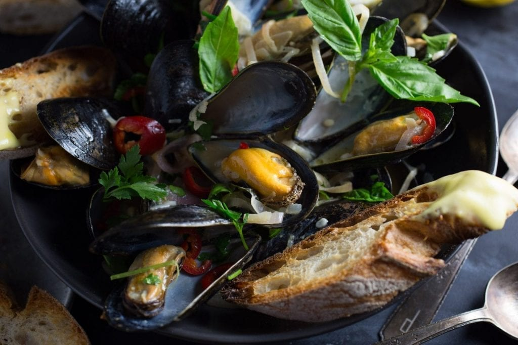 Steamed Mussels With Wheat Beer and Basil (and Garlicky Aïoli Toasts)