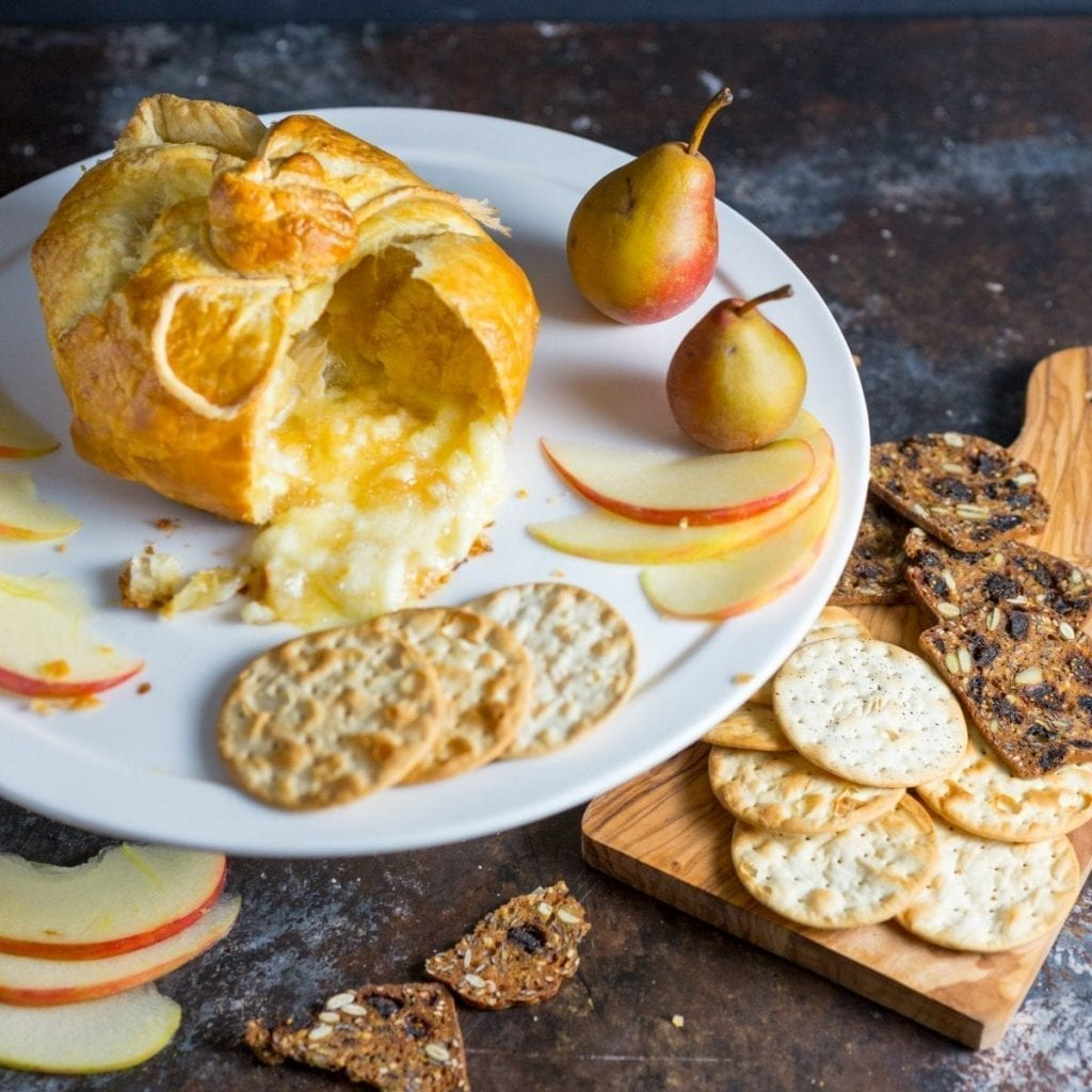 Baked Brie en Croûte with Spiced Apple and Pear Compote