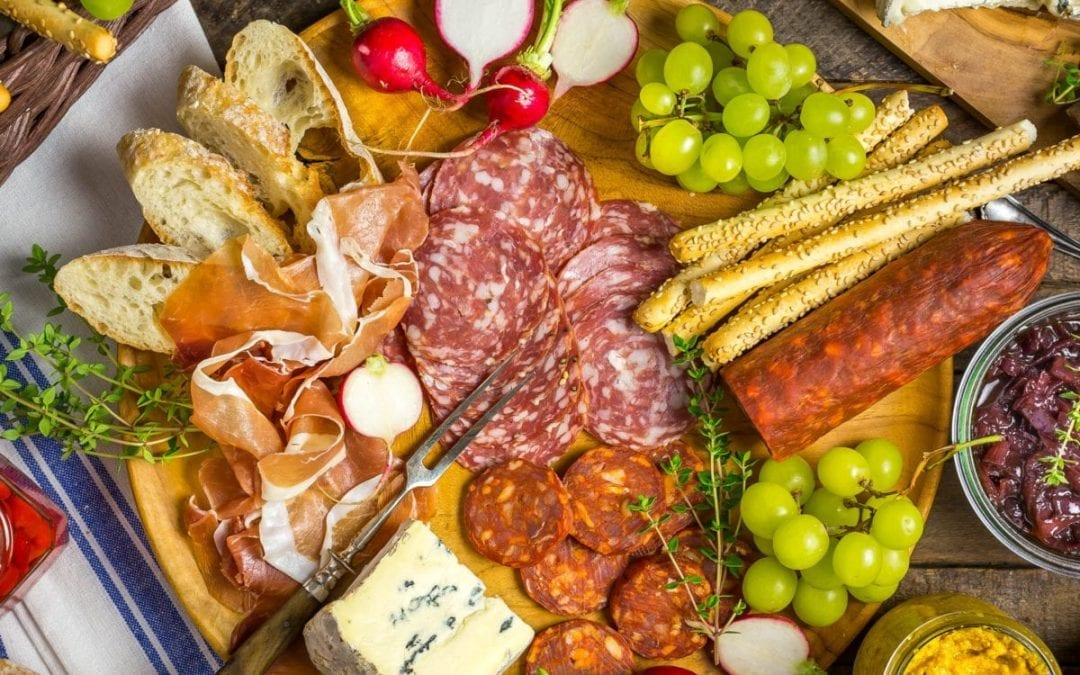 How to put together a perfect charcuterie board